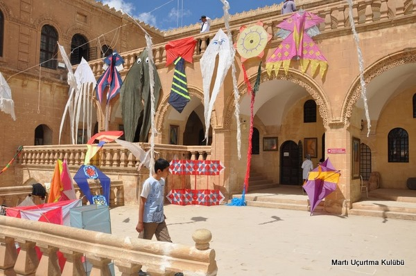 Mardin'de uçurtma sergisi